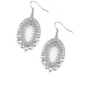 5 for $25! Paparazzi silver earrings